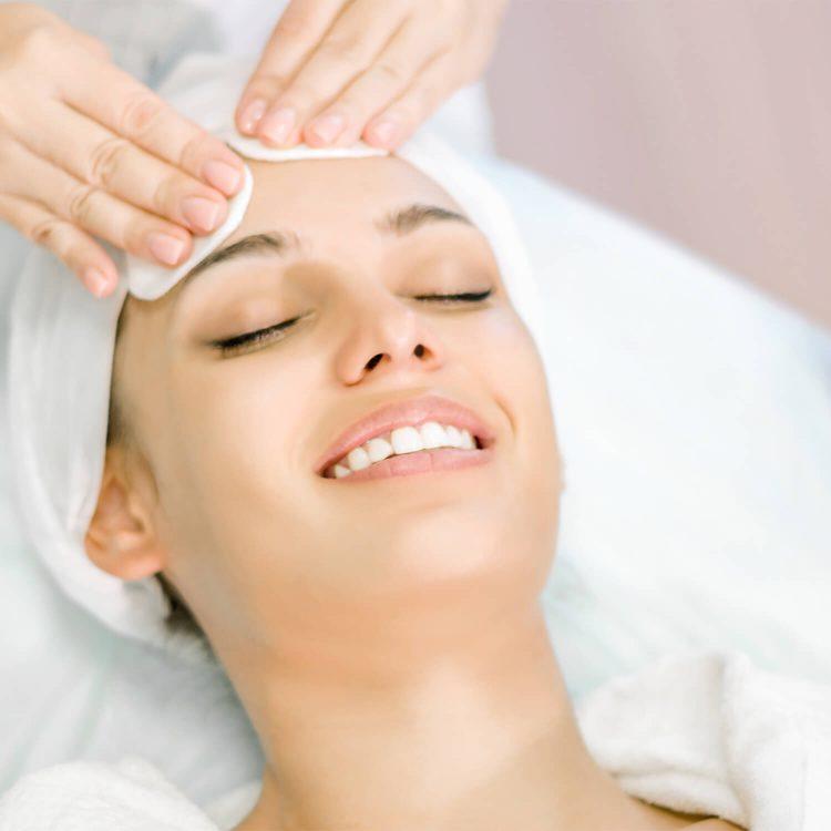 Institut für ganzheitliche Kosmetik Reinigungs-Behandlung